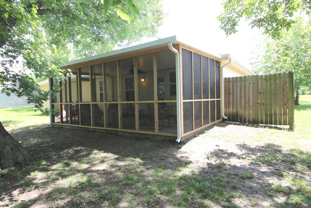 New Screened In Porch Additions and Remodeling in Kansas