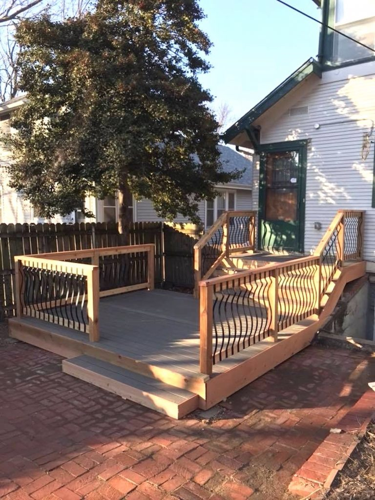 New Backyard Deck Additions and Remodeling in Kansas