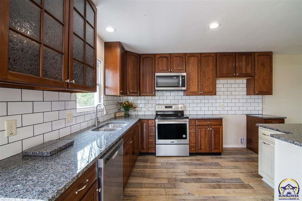 New Kitchen Cabinets Additions and Remodeling in Kansas